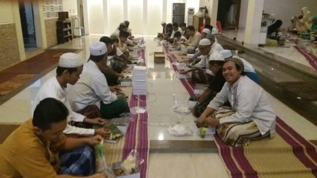 bukber masjid baitussalaam